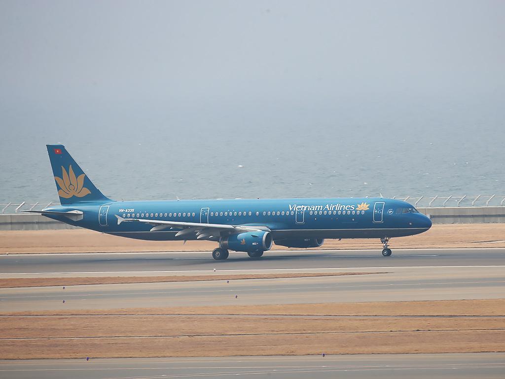 VietnamAirlines20150215-1