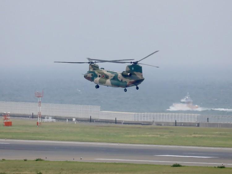 JSDF_CH-47J_20160516-2