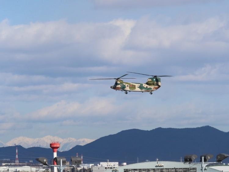 JSDF_CH-47J_20170125-3