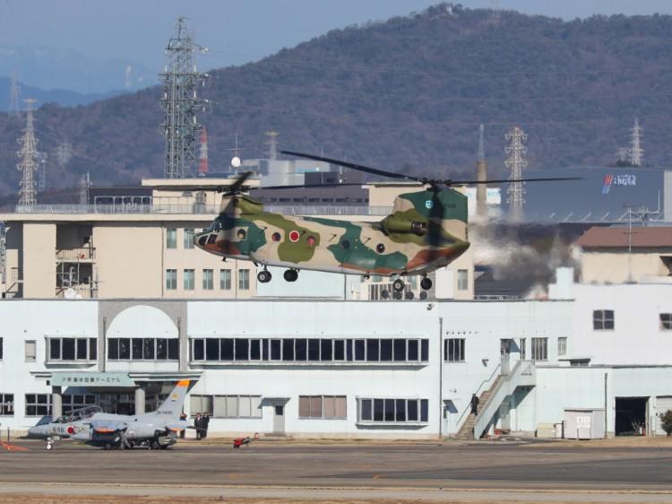 JSDF_CH-47J_20170125-4