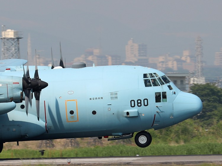 JSDF_C-130H_20160520-12
