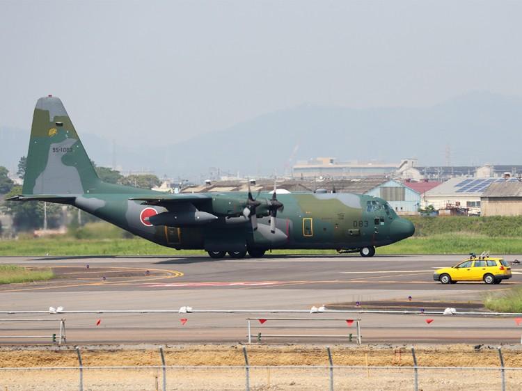 JSDF_C-130H_20160520-7