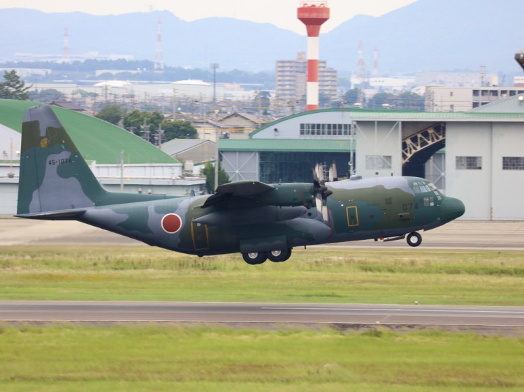 JSDF_C-130H_20160627-3